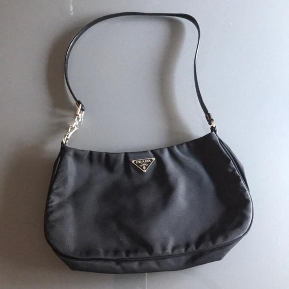 8865c2f97263 Nylon Prada shoulder bag. M_5b37bf6ac9bf50940c7a23de